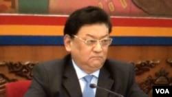 2016年3月7日,中共西藏自治区党委副书记白玛赤林在两会西藏代表团公开会议指责达赖喇嘛搞分裂活动。(美国之音叶兵拍摄)