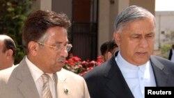 سابق صدر پرویز مشرف اور سابق وزیراعظم شوکت عزیز (فائل فوٹو)