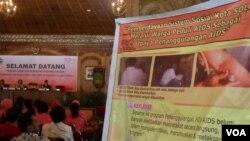 Konferensi HIV/AIDS di Solo yang diselenggarakan baru-baru ini, adalah contoh upaya untuk mencegah stigma dan diskriminasi terhadap penderita AIDS.