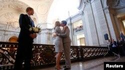 La idea del Contralor Estatal de Nueva York es que los matrimonios entre personas del mismo sexo sean reconocidos en estados donde no son permitidos.