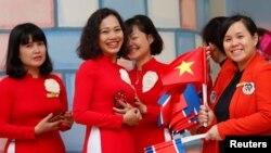 Beberapa perempuan Vietnam di TK Persahabatan Vietnam-Korea menjelang KTT Korea Utara-AS di Hanoi, Vietnam, 26 Februari 2019. (Foto: Reuters)