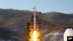 North Korean rocket launch Dec. 12, 2012 (North Korean news agency photo)