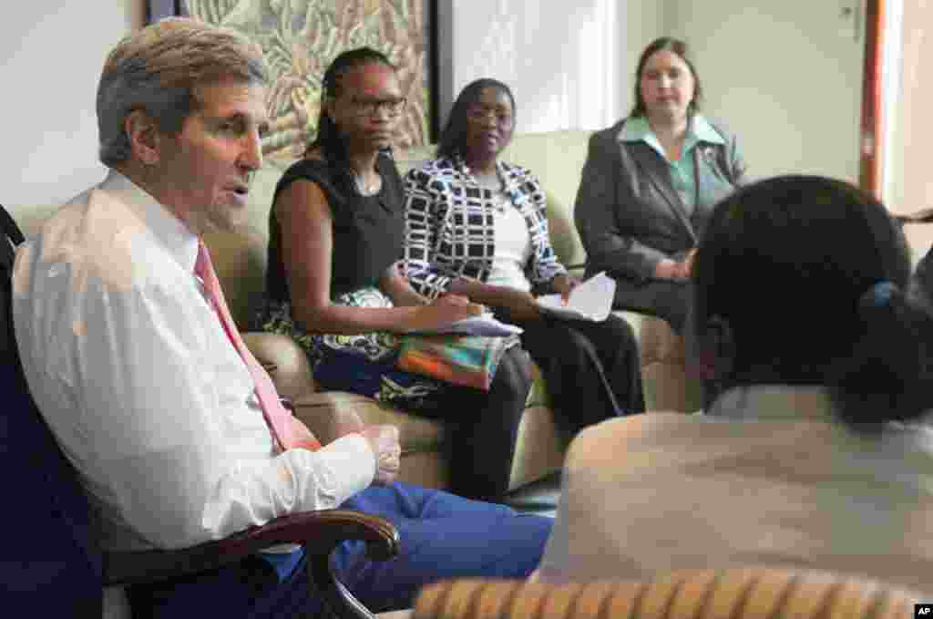 U.S. Secretary of State John Kerry meets with civil society leaders at the U.S. Chief of Mission Residence in Luanda, Angola, May 4, 2014.