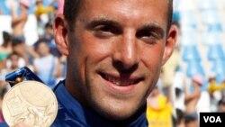 Francis Crippen se quedó con la medalla de bronce en la competencia de 10 kilómetros en aguas abiertas en el campeonato mundial realizado en Roma, en julio de 2009.