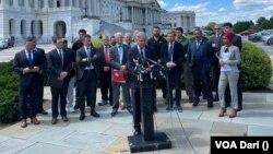 حدود ۱۰ عضو مجلس نمایندگان ایالات متحده در این نشست خبری اشتراک کرد.