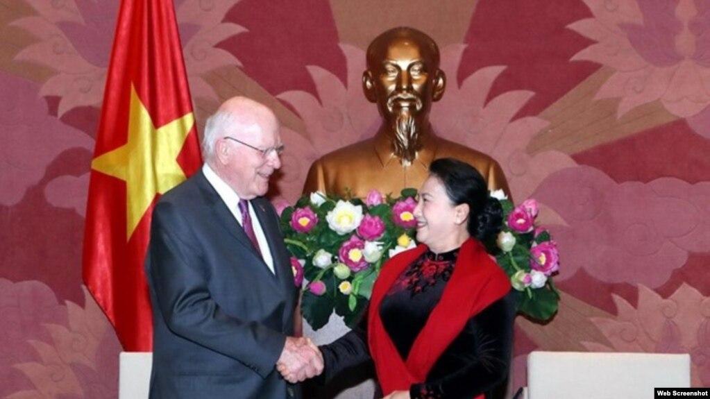 Thượng Nghị sĩ Hoa Kỳ Patrick Leahy và Chủ tịch QH Nguyễn Thị Kim Ngân, hôm 18/4/2019 tại Hà Nội. Photo VNA