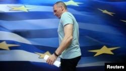 Gretsiya Moliya vaziri Yanis Varufakis, 5-iyul, 2015-yil