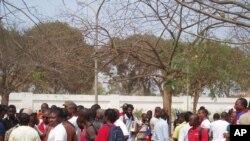 Jovens prometem novas manifestações em Luanda