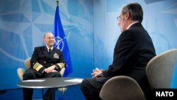 Admiral James Stavridis (left), Supreme Allied Commander Europe, during an interview with VOA's Al Pessin at NATO Headquarters in Brussels, Belgium, April 23, 2013.