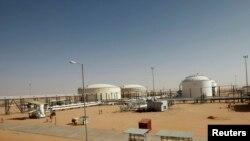 Pemandangan lapangan minyak El Sharara di Libya, 3 Desember 2014.