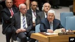 Presiden Palestina Mahmoud Abbas berbicara dalam pertemuan bulanan Dewan Keamanan PBB di New York hari Selasa (20/2).