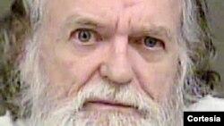 """Steven W. Chase ha sido condenado por crear y dirigir principalmente el sitio web """"Playpen"""", que comparte decenas de miles de publicaciones que contienen pornografía infantil, dijo el FBI."""