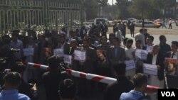مقام های محلی هرات می گویند نیروهای امنیتی این ولایت در تلاش اند تا عاملین دین رویداد را شناسایی و به پنجه قانون بسپارند.