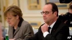 Các nhà lãnh đạo của Đức và Pháp đang có mặt ở Moscow hôm thứ Sáu để trình bày một đề nghị hòa bình mới với Tổng thống Nga Vladimir Putin.