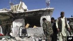 8일 아프가니스탄 남부 헬만드주 라시카르가에서 발생한 차량폭탄 공격 현장.
