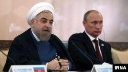حسن روحانی در کنار ولادیمیر پوتین در نشست آستراخان - مهر ۱۳۹۳