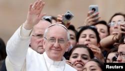 El papa Francisco durante su visita a Brasil confesará a sacerdotes y jóvenes, así como también se reunirá con los pobres y presos.