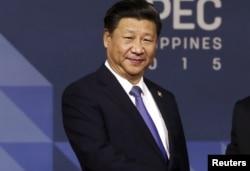 """Phát biểu bên lề cuộc họp của APEC ở Manila hôm 19/11, ông Tập Cận Bình gửi lời chia buồn đến gia đình nạn nhân và lên án điều ông gọi là """"hành động dã man của tổ chức cực đoan giết hại công dân Trung Quốc."""""""