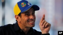 Capriles dice que seguirá escribiendo lo que quiera a través de su cuenta en la red social Twitter.