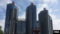 北京望京的一栋公寓楼 (美国之音照片)