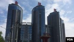 北京望京的一栋公寓楼 (美国之音拍摄)