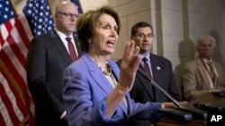 Нэнси Пелоси заявила, что республиканцы должны проголосовать как можно быстрее