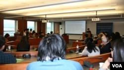 吕秀莲在乔治华盛顿大学西格尔亚洲研究中心演说 (美国之音钟辰芳)