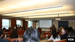 呂秀蓮在喬治華盛頓大學西格爾亞洲研究中心發表演說 (美國之音鍾辰芳)