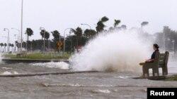 Bão Isaac đập vào tiểu bang Louisiana
