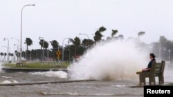 Hurricane Isaac Makes Landfall