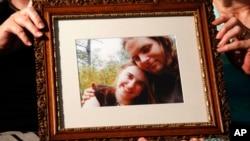 Foto pasangan suami istri Joshua Boyle dan Caitlan Coleman yang hilang di Afghanistan lima tahun lalu (foto: dok).