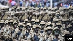 Parade militaires en Côte d'Ivoire lors de la célébration du 58eme anniversaire de l'indépendance.