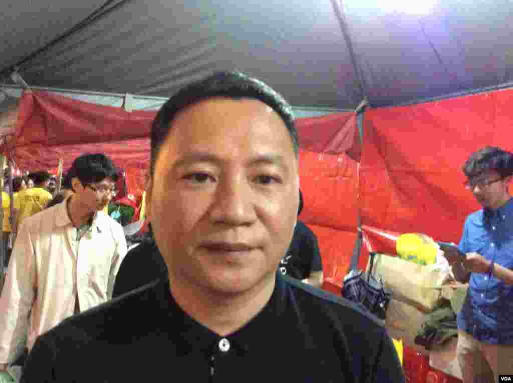 前天安门学生运动领导人王丹(美国之音记者申华 拍摄)