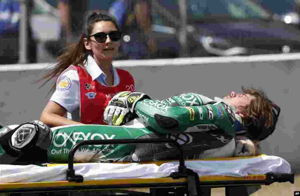 مسابقات موتورسواری گرند پریکس در منطقه تاریخی «خرز ده لا فرونترا» در جنوب اسپانیا؛ موتورسوار استرالیایی سانحه دید.