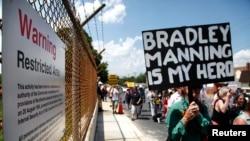 Marche de protestation pour la libération du soldat américain Bradley Manning, figure centrale dans l'affaire Wikileaks (Fort Meade, Maryland, 1er juin 2013/Reuters/Jonathan Ernst).