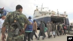 從米蘇拉塔疏散的人員到達班加西