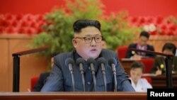 북한 김정은 국무위원장이 최근 평양에서 열린 김일성사회주의청년동맹 제9차 대회에서 연설했다고, 조선중앙통신이 29일 전했다.