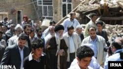 İranın ali dini lideri Əli Xamneyi zəlzələ bölgəsində