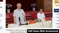 Ông Nguyễn Phú Trọng đứng phát biểu bên cạnh Bí thư Tỉnh ủy Kiên Giang Nguyễn Thanh Nghị, con trai của cựu Thủ tướng Nguyễn Tấn Dũng.