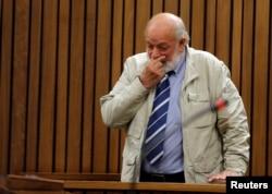 Barry Steenkamp testifies at former Paralympian Oscar Pistorius' sentencing for the murder of Reeva Steenkamp at the Pretoria High Court, South Africa, June 14, 2016.