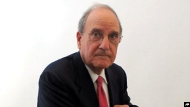US special envoy George Mitchell (file photo)