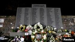Monumento fúnebre en Lockerbie, Escocia, a las víctimas del vuelo 103 de Pan Am, que se estrelló sobre esa ciudad al estallar una bomba en el avión cuando volaba hacia Estados Unidos el 1 de diciembre de 1988.