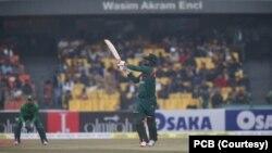 بنگلہ دیش کپتان محمود اللہ نے ٹاس جیت کر پہلے خود بیٹنگ کا فیصلہ کیا۔