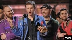 El miembro de Coldplay, Chris Martin, está casado con la famosa actriz Gwyneth Paltrow.