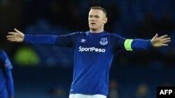 L'attaquant anglais d'Everton Wayne Rooney lors du match d'Europa League contre Atalanta au Goodison Park à Liverpool, au nord-ouest de l'Angleterre, le 23 novembre 2017.
