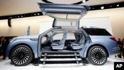 Lincoln Navigator, produk SUV dari Ford Motor yang banyak diminati pasar (foto: ilustrasi).
