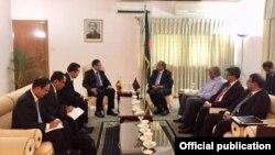 နိုင္ငံေတာ္အတိုင္ပင္ခံရံုး ဝန္ၾကီးဌာန ဝန္ၾကီး ဦးေဆာင္တဲ့ ျမန္မာကုိယ္စားလွယ္အဖဲြ႔ ဘဂၤလားေဒ့ရွ္ တာ၀န္ရွိသူႏွင့္ေဆြးေႏြး ( Myanmar State Counsellor Office)