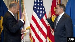 Ông Leon Panetta tuyên thệ nhậm chức Bộ trưởng Quốc Phòng hôm 1/7/11