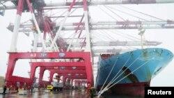 Ảnh tư liệu - Tàu vận tải của Trung Quốc tại cảng Qingdao, tỉnh Shandong ngày 10/4/ 2012.
