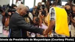 Presidente Armando Guebuza após votação